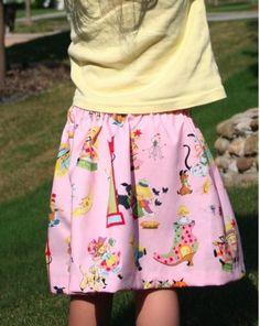 little girls skirt tutorial... Uses 1/2 yard OR 2 fat quarters.