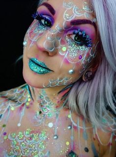 @twistedbangs created this incredible look using our cosmetic glitters and mermaid glitter lashes!
