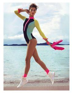 Gisele Bundchen w plażowej sesji, Vogue Paris, czerwiec/lipiec 2012