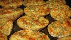 Pečené zemiaky s cesnakom, maslom a bylinkami
