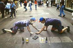 Julian Beever sidewalk chalk