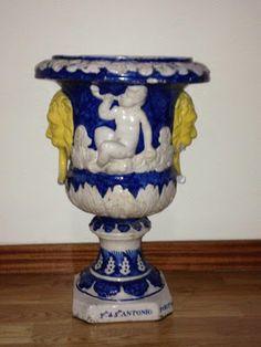 Faiança portuguesa azul e branca.