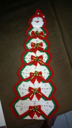 Crocheted Granny Square Christmas Tree - Her Crochet Crochet Christmas Decorations, Homemade Christmas Decorations, Christmas Tree Pattern, Christmas Crochet Patterns, Crochet Christmas Ornaments, Holiday Crochet, Christmas Knitting, Holiday Crafts, Christmas Poinsettia