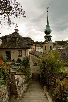 visitheworld: Stairs to Kapuzinerberg hill in Salzburg / Austria (by pxls.jpg).