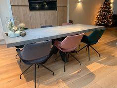 betonlook tafel matrix poot Conference Room, Dining Table, Furniture, Denver, Home Decor, Decoration Home, Room Decor, Dinner Table, Home Furnishings