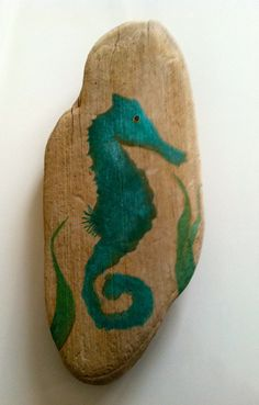 Hand Painted Driftwood Sea Horse Sign by MaineCoastCottage seahorses Painted Driftwood, Driftwood Beach, Driftwood Art, Stone Painting, Painting On Wood, Rock Painting, Fence Painting, Painted Rocks, Hand Painted