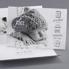 Faire-part : cap sur le noir et blanc fotos The Babys, Newborn Pictures, Baby Pictures, Book Bebe, Foto Newborn, Foto Baby, Ideias Diy, Baby Album, Baby Birth