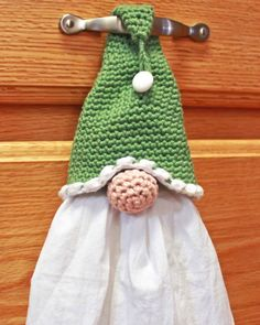 crochet Gnome Towel Topper Kostenlose Häkelanleitung Choosing A Nursery Theme For Your Baby Article Crochet Kitchen, Crochet Home, Crochet Gifts, Free Crochet, Crochet Towel Holders, Crochet Towel Topper, Christmas Tree Hat, Christmas Deco, Christmas Angels