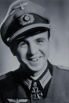 Oberleutnant Karl-Heinz Noak (1916-1978), Chief 1./Panzerjäger Abteilung 137, Ritterkreuz 05.08.1940, Eichenlaub (63) 16.01.1942