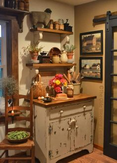 Great Shabby Chic Kitchen Ideas To Get You Started Rustic Country Kitchens, Cottage Kitchens, Rustic Kitchen, Home Kitchens, Prim Decor, Country Decor, Rustic Decor, Farmhouse Decor, Shabby Chic Kitchen