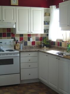 love the back-splash tiling & colors ... simple yet eye-catching  ~~~  www.kunzdesign.com