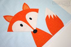 STEP Layer the pieces onto the background fabric. Arrange everything how you want it and fuse it down with a hot iron. Fox Crafts, Animal Crafts, Arts And Crafts, Paper Crafts, Machine Applique, Free Machine Embroidery, Fox Craft Preschool, Babysitting Fun, Art Drawings For Kids