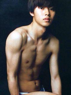 Kento Yamazaki Asian Boys, Asian Men, Hot Guys, Kento Yamazaki, Kim Bum, Bae, How To Look Handsome, Japanese Men, Tumblr Boys