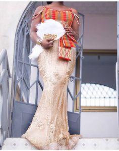 African Bridesmaid Dresses, African Wedding Attire, African Dresses For Kids, African Wear Dresses, African Attire, African Traditional Wedding Dress, Kente Dress, Lace Dress Styles, Kente Styles