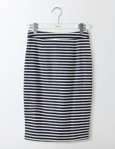 Nail sophisticated style with this below-the-knee skirt. The heavy, textured cotton means it doesn't wrinkle easily and those bold prints make it perfect for everything from work to weddings. Can't get enough? There's a matching top and dress too.