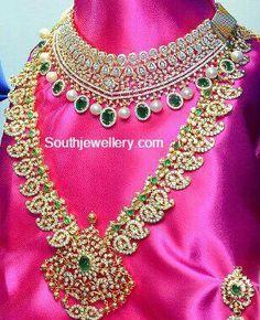 Pretty diamonds..... it cn surely make u flattered....!!!