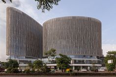 Mondeal Square, India / Blocher Blocher Architects