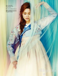 고운 색에 취하다 (Take the Fine Color)MyWedding October 2015 Hanbok: 바이단 Photo: 김지원 Model: 한으뜸 Hair & Make Up: 애브뉴준오