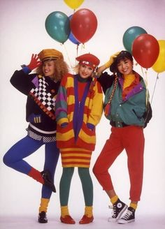 ▷ 1001 + Ideas for Fashion Inspired Outfits that Will Get You Noticed throwback outfits, three smiling young women in bright clothes, red pants green and blue leggings, yellow and red striped cardigan, green jacket yellow socks and colorful balloons 1980s Fashion Trends, 80s And 90s Fashion, Retro Fashion, Vintage Fashion, 80s Womens Fashion, Decades Fashion, Fashion Through The Decades, Throwback Outfits, Retro Outfits