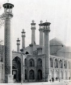 @akaskhanehkhadem  نمای عمومی جلو خان مسجد سپهسالار عکس از علی خادم General View of the Frontage of the Sepahsalar Mosque Photograph by Ali Khadem