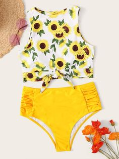 Product name: Sunflower Print Knot Hem Top With Ruched Bikini Set at SHEIN, Category: Bikinis Bathing Suits For Teens, Summer Bathing Suits, Swimsuits For Teens, Cute Bathing Suits, Cute Swimsuits, Cute Bikinis, Bikinis Retro, Vintage Swimsuits, Bikini Alto