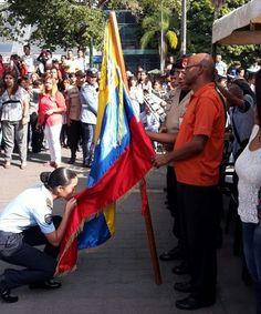 "Ascendidos 116 estudiantes de la Escuela Técnica de Defensa Civil ""Jorge Murad Sayeeg"" • Gobierno del Distrito Capital"