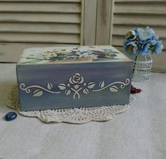 "Buy Box pencil case ""wild flowers"", decoupage on Livemaster online shop Decoupage Box, Decoupage Vintage, Shabby Chic Boxes, Painted Wooden Boxes, Chalk Paint Projects, Tea Box, Altered Boxes, Jewellery Boxes, Craft Box"