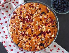 post143-prajitura-cu-afine-si-merisoare-(6) Sweets Recipes, Biscuits, Deserts, Snacks, Food, Dukan Diet, Crack Crackers, Cookies, Appetizers