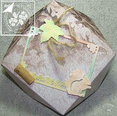 Diamantbox mit Herbstpanorama http://billes-bastelblog.blogspot.de/2016/10/diy-kleiner-umschlag-mit-dem-envelope.html Viele Bastelgrüße Bille