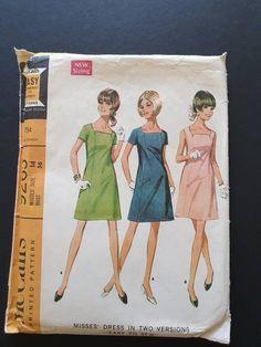 Vintage Dress Patterns, Vintage Dresses, Vintage Outfits, 60s Patterns, Vintage Fashion, Fashion Patterns, 1960s Fashion, Vintage Wear, Vintage Clothing