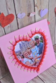 Simple Valentine Day Crafts from Craft Night!