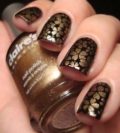 Are you tired of single-toned nails and the same old and boring patterns? Looking for some nail art inspiration? Get ready for some manicure magic with these hot and amazing nail art designs. Nail Art Designs 2016, Simple Nail Art Designs, Easy Nail Art, Get Nails, Fancy Nails, Pretty Nails, Chloe Nails, Essie, Floral Nail Art