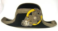 Courtesy of the Royal Armoury // Lakejhatt, 1900-t 1:a hälft. // Lackey Hat, 1900-first half.