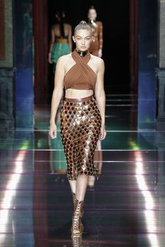 BALMAIN SPRING/SUMMER 2016 WOMENSWEAR SHOW LOOK 13 — with Gigi Hadid.