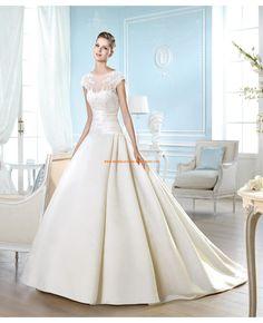 2014 Romantische Hochzeitskleider aus Satin A-Linie mit schleppe