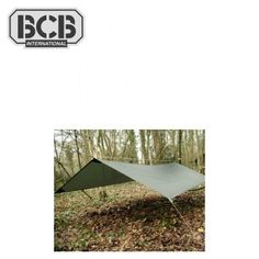 BCB Bâche ultralégère Fox (#CT047 - Fox® Lightweight Basha) 2x3m - 74 € •  Bâche ultralégère camouflage forêt. •  Robuste, compacte et légère. •  16 points d'attache pour la suspension. •  2 points d'attache pour moustiquaire. •  Coutures renforcées anti-gouttière.  Détails techniques : •  Poids : 700 g. •  Dimensions : 2 x 3 m. •  Matériau : Polyuréthane Nylon Ripstop. •  Homologuée par l'OTAN.