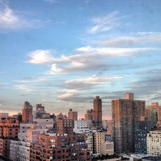 Oh how we live #NYC - and a good set of clouds don't hurt! ;) #cloudporn #nycskyline #homesweethome #sunset