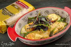Запекаем в духовке на 180°C 30 минут до появления хрустящей сырной корочки!