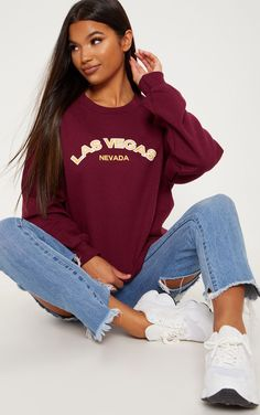 The Raspberry Las Vegas Slogan Sweater. Head online and shop this season's range of tops at PrettyLittleThing. Las Vegas, S Models, Trendy Outfits, Fashion Outfits, Fashion Trends, Hoodies, Sweatshirts, Oversized Sweaters, Slogan