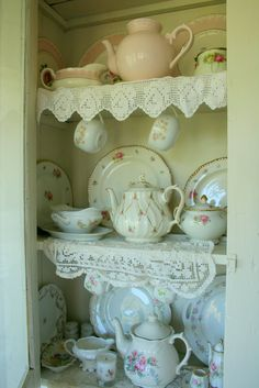 Aiken House & Gardens: Heart of the Home Party - Favorite Cupboards Shabby Vintage, China Display, Tea Display, Teapots And Cups, My Cup Of Tea, Vintage Design, Vintage China, Vintage Teapots, House Party