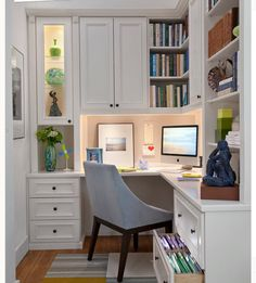 Office nook with built-in shelves.  Love the built in filing drawers!!!!