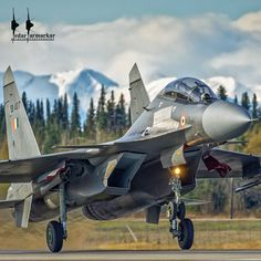 An Indian Air Force Sukhoi rotates on Rwy 32 on Eielson AFB for a Red Flag Alaska mission Military Weapons, Military Aircraft, Indian Fighter Planes, Air Force Wallpaper, Air Force Fighter Jets, Indian Army Special Forces, Indian Air Force, Russian Air Force, Sukhoi