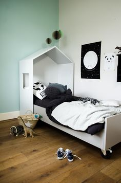 Bedhuisje - fun, sleep and play - Petit & Small. Love the idea of the bed on lockable castors. Takes the pain out of trying to change the bed inside the headboard nook/cubby. Brilliant