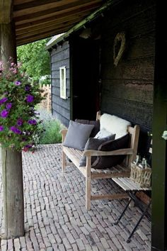 Sfeervol voor in je tuin by susana Outdoor Rooms, Outdoor Gardens, Outdoor Living, Outdoor Decor, Dream Garden, Home And Garden, Outside Living, Diy Garden Decor, Porches