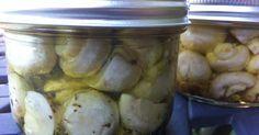 Champignons marinés dans l'huile