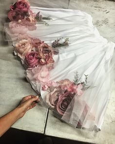 Fashion Ideas Going Out Beatrice Gale floral Skirt Flower Dresses, Cute Dresses, Girls Dresses, Cute Outfits, Skirt Fashion, Gypsy Fashion, Fashion Dresses, Fashion Beauty, Formation Couture