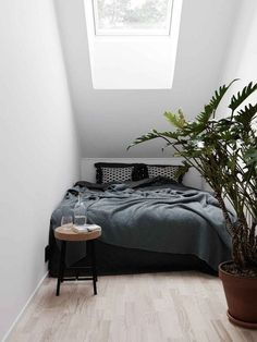 Astonishing Unique Ideas: Cozy Minimalist Home Chairs minimalist bedroom wardrobe sliding doors.Minimalist Bedroom Furniture Benches extreme minimalist home tiny house. Small Apartment Bedrooms, Home Bedroom, Bedroom Decor, Bedroom Ideas, Tiny Bedrooms, Bedroom Nook, Master Bedrooms, Bed Nook, Bedroom Furniture