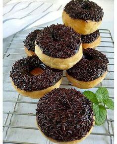 Donut Recipes, Cake Recipes, Dessert Recipes, Bread Recipes, Indonesian Desserts, Indonesian Food, Donuts, Doughnut Muffins, Cooking Time