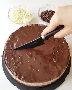 Easy Cake : Good night, I have a very practical delicious chocolate cake recipe, Delicious Cake Recipes, Yummy Cakes, Dessert Recipes, Food Vids, Mousse Au Chocolat Torte, Pasta Cake, Cocoa Cake, Tasty Chocolate Cake, No Bake Cake