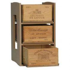 Scaffale per 36 Bottiglie di vino.  Nello scaffale possono essere inserite casse in legno o cartoni.